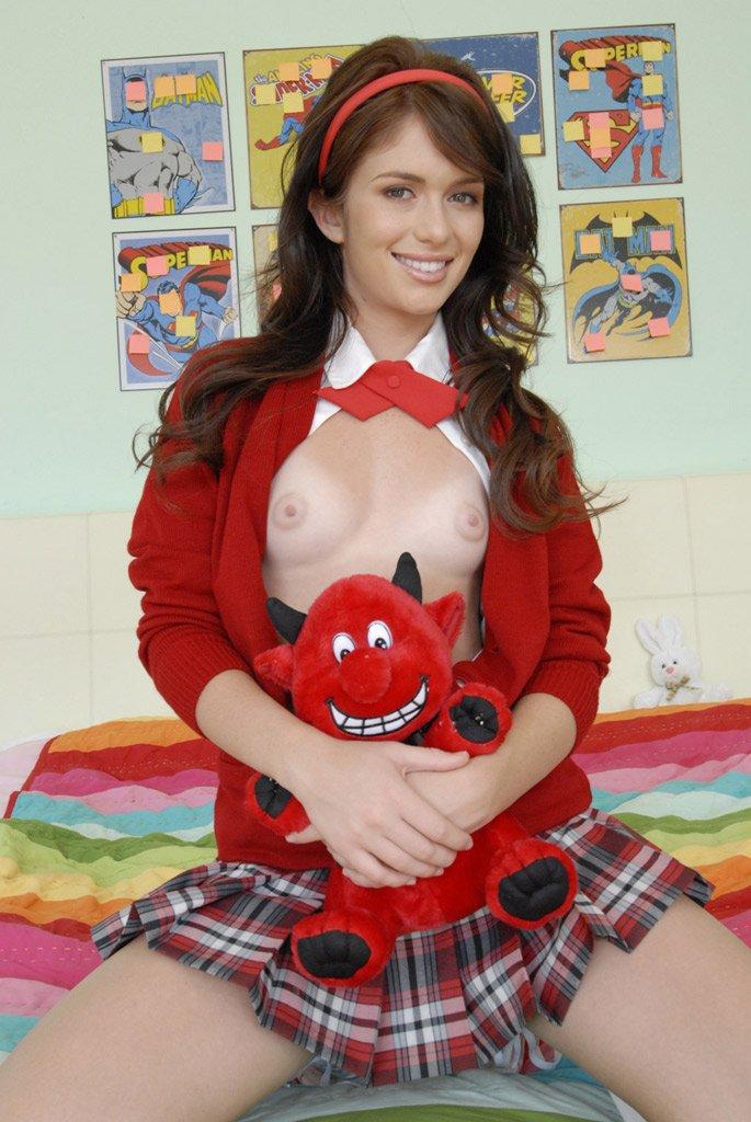 Ученица в короткой юбке порно