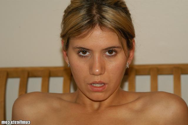 Голая сосалки хуя, порно с латино девушками