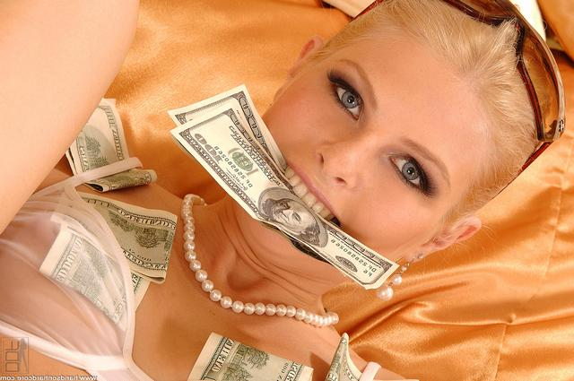 Порево фото зрелая блондинка наслаждается фистингом немка раком