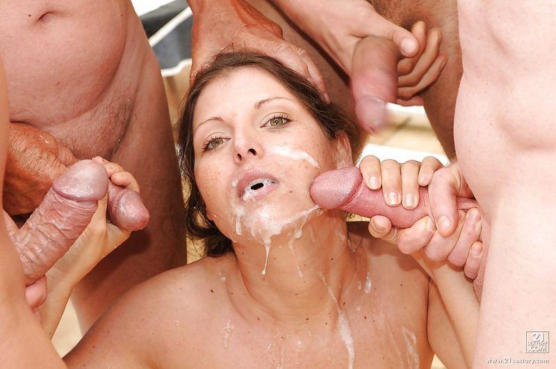 жене кончают в рот толпа мужиков снимает секс жены