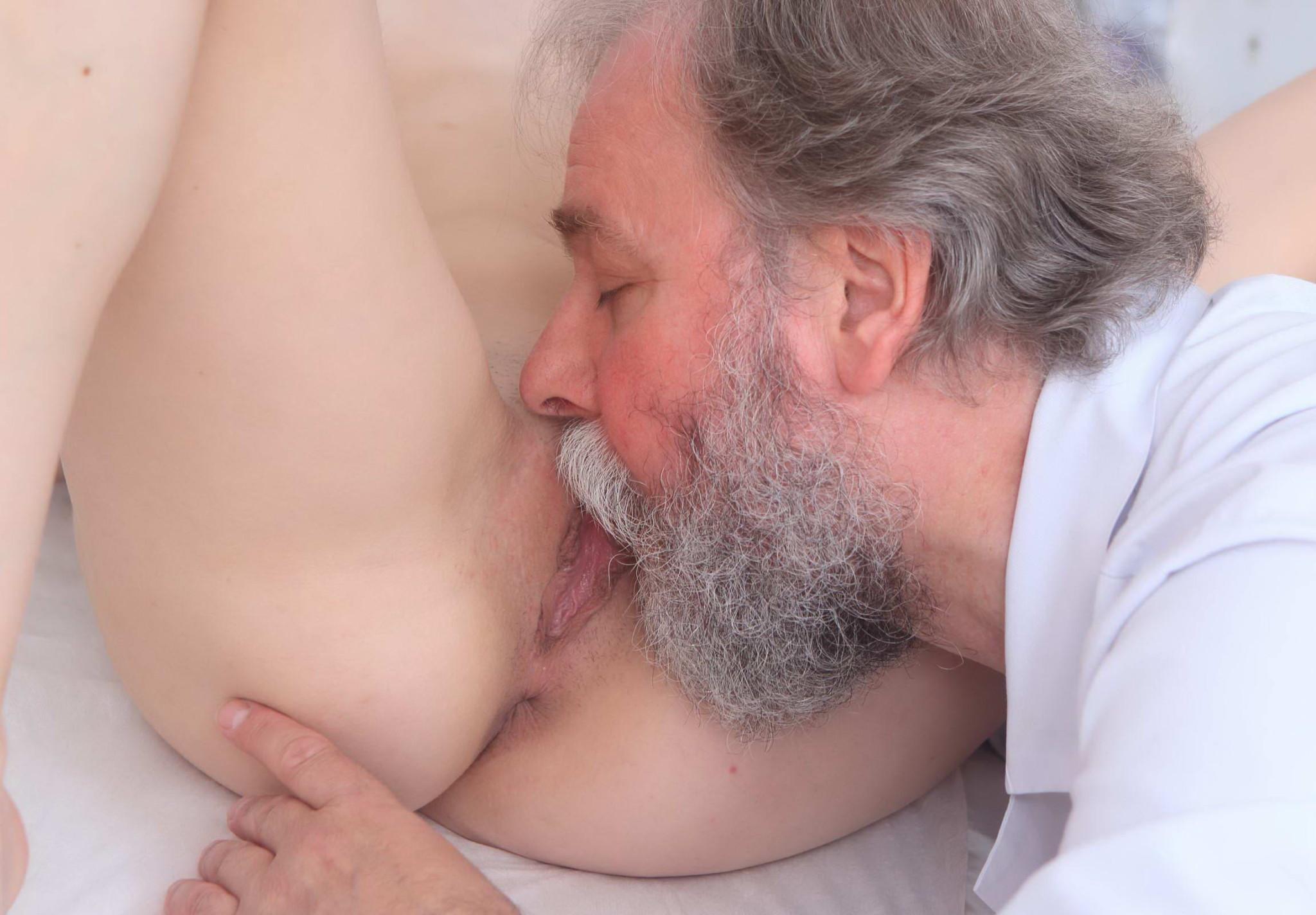 porno-s-borodatim-dedom
