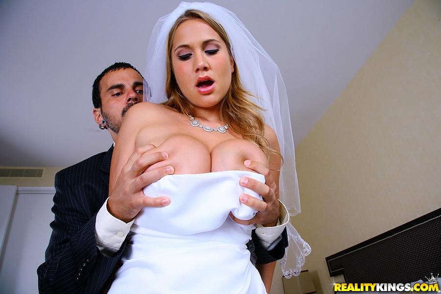 порно невесты с большими грудями